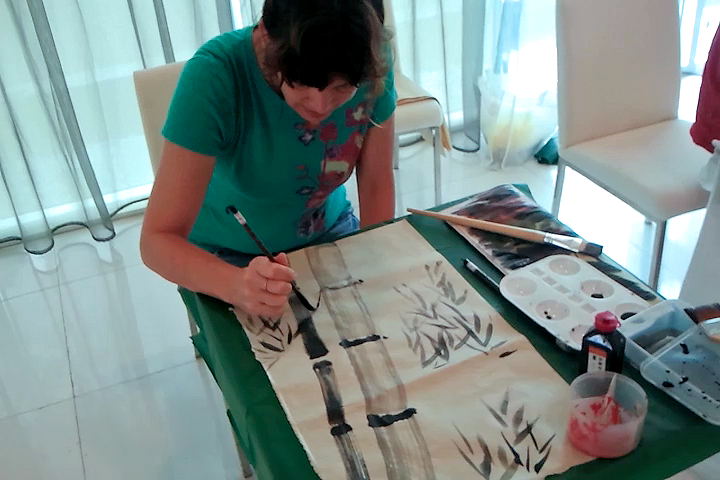 Elizabeth Queen (USA) learning Chinese Painting with James Phua 03