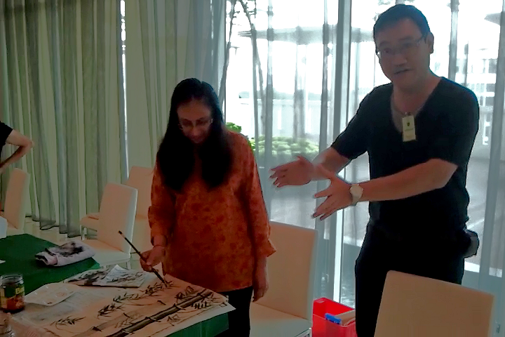 Neeta Batra (Singapore) learning Chinese painting with James Phua