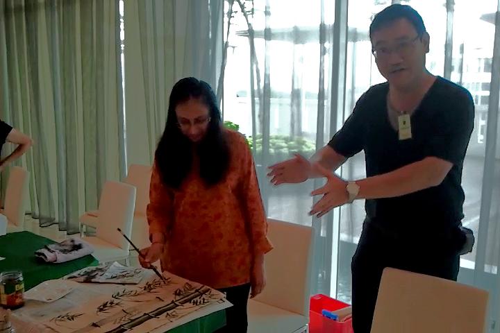 Neeta Batra (Singapore) learning Chinese painting with James Phua
