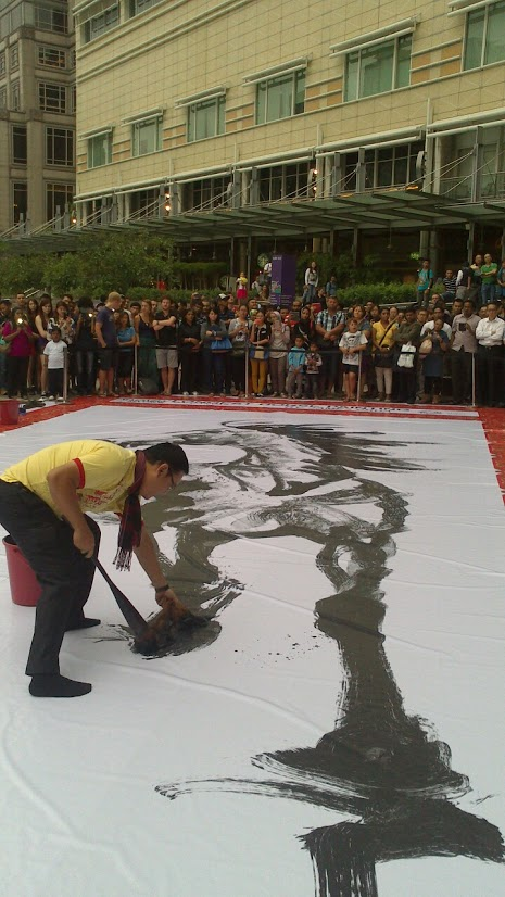 James is drawing the largest horse panting. Photo by Irenee Alma